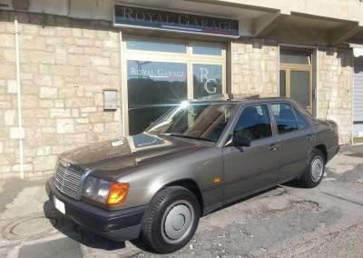 Mercedes-Benz 200 E (01)