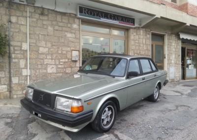 Volvo 240 Turbo (1)