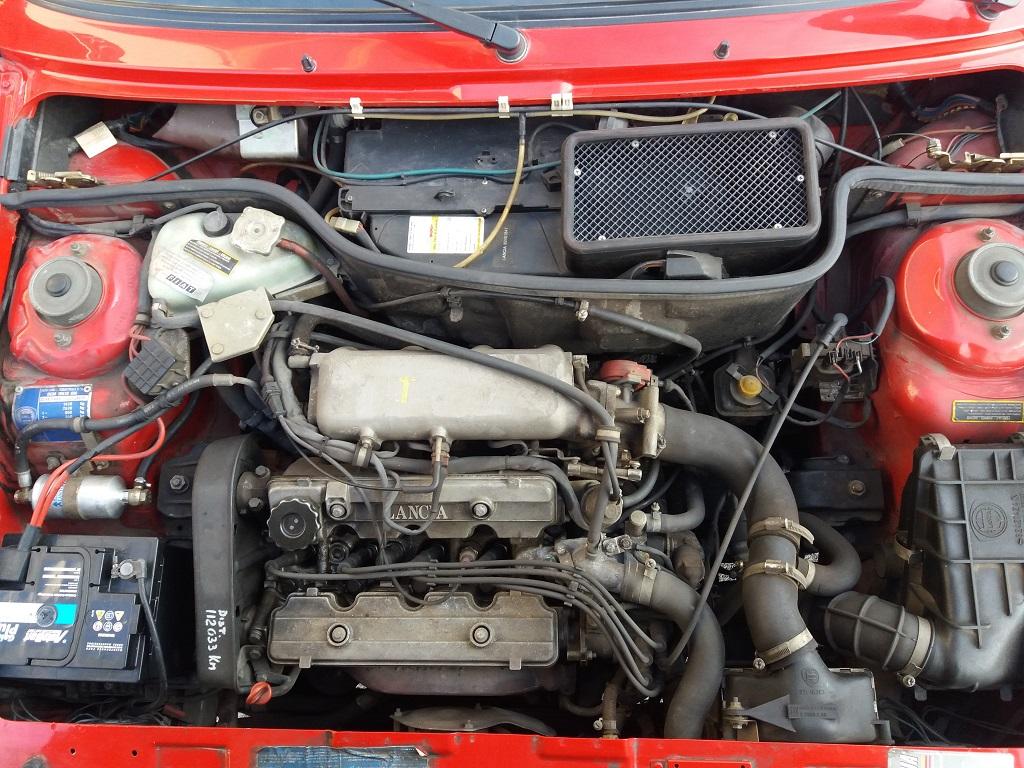Lancia Delta HF Turbo i.e (27)