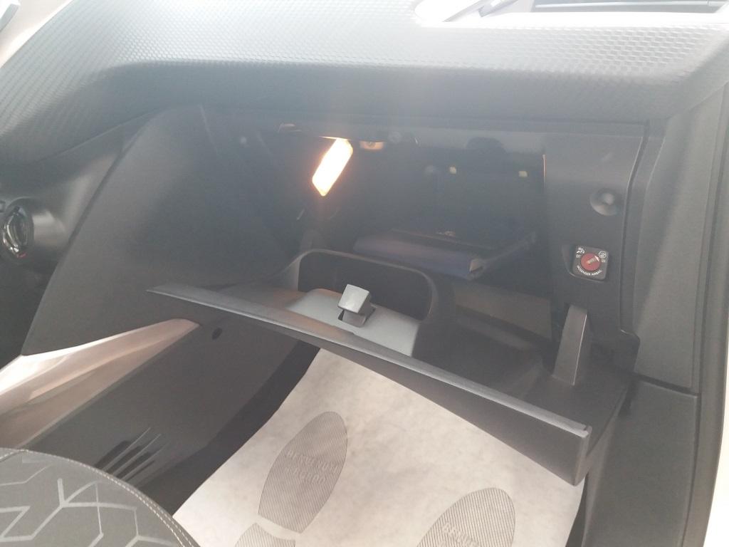 Peugeot 2008 1.2 VTi 82 cv Active (23)