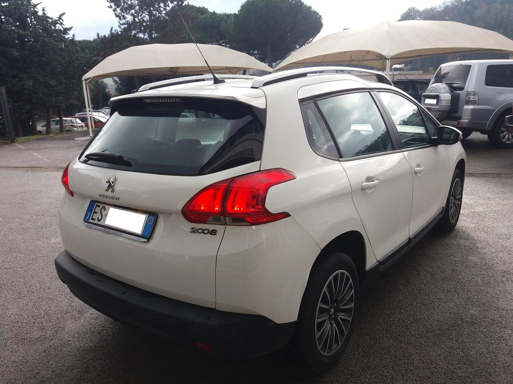 Peugeot 2008 1.2 VTi 82 cv Active (34)