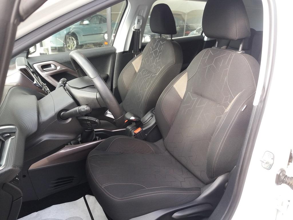 Peugeot 2008 1.2 VTi 82 cv Active (7)