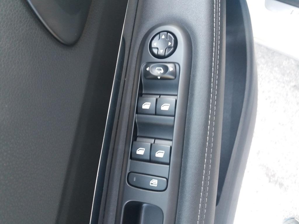 Peugeot 3008 BlueHDi 120 S&S Allure (12)