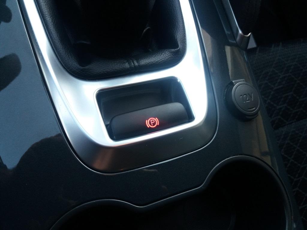 Peugeot 3008 BlueHDi 120 S&S Allure (18)