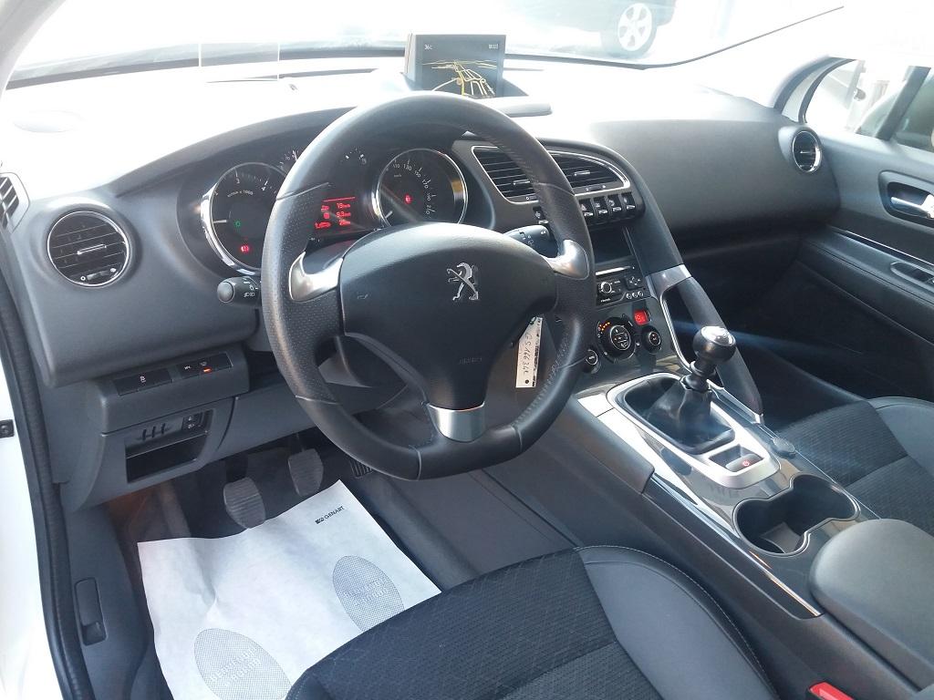 Peugeot 3008 BlueHDi 120 S&S Allure (67)