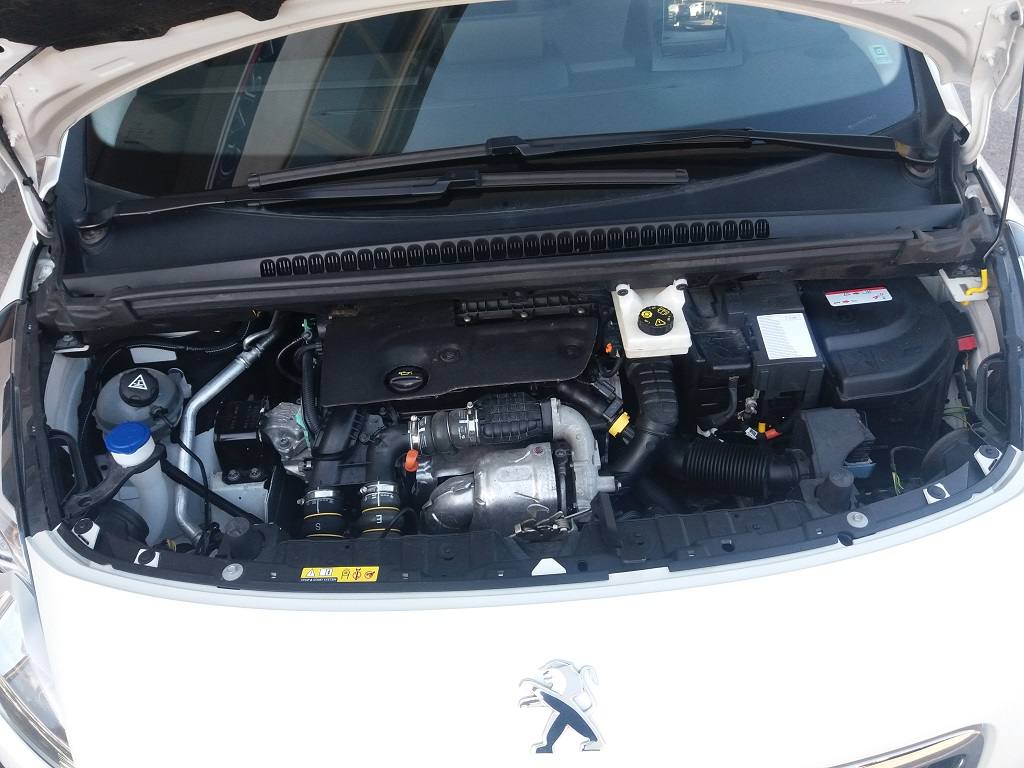 Peugeot 3008 BlueHDi 120 S&S Allure (70)