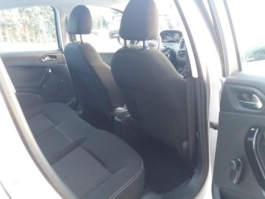 Peugeot 208 BlueHDi 75 5p Active (17)