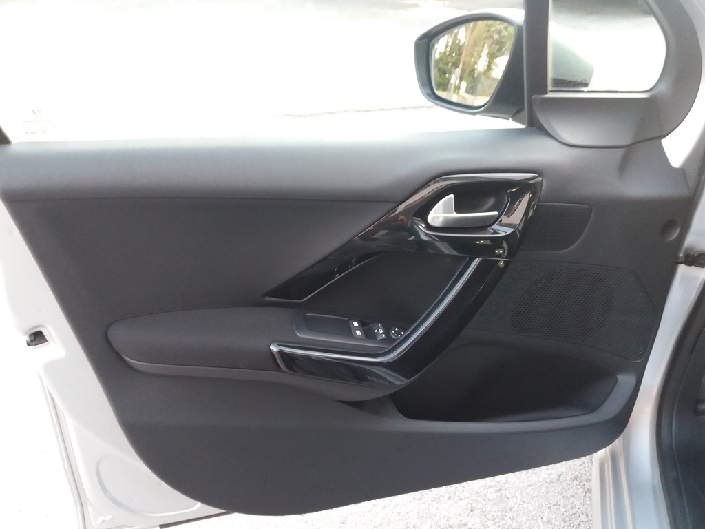 Peugeot 208 BlueHDi 75 5p Active (18)