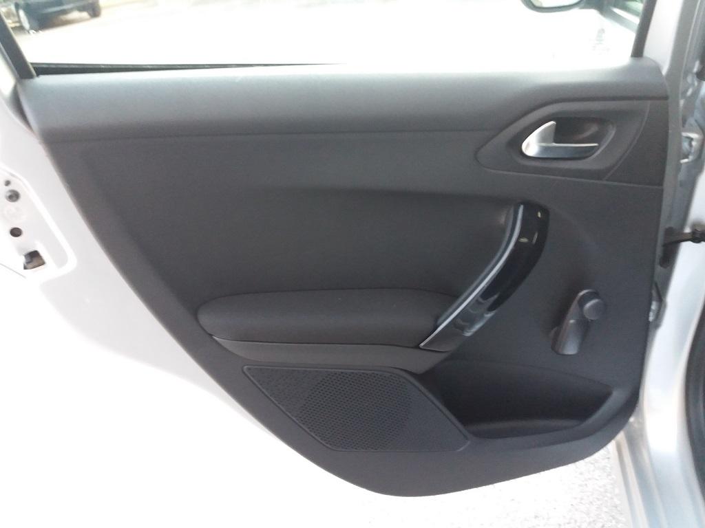 Peugeot 208 BlueHDi 75 5p Active (19)