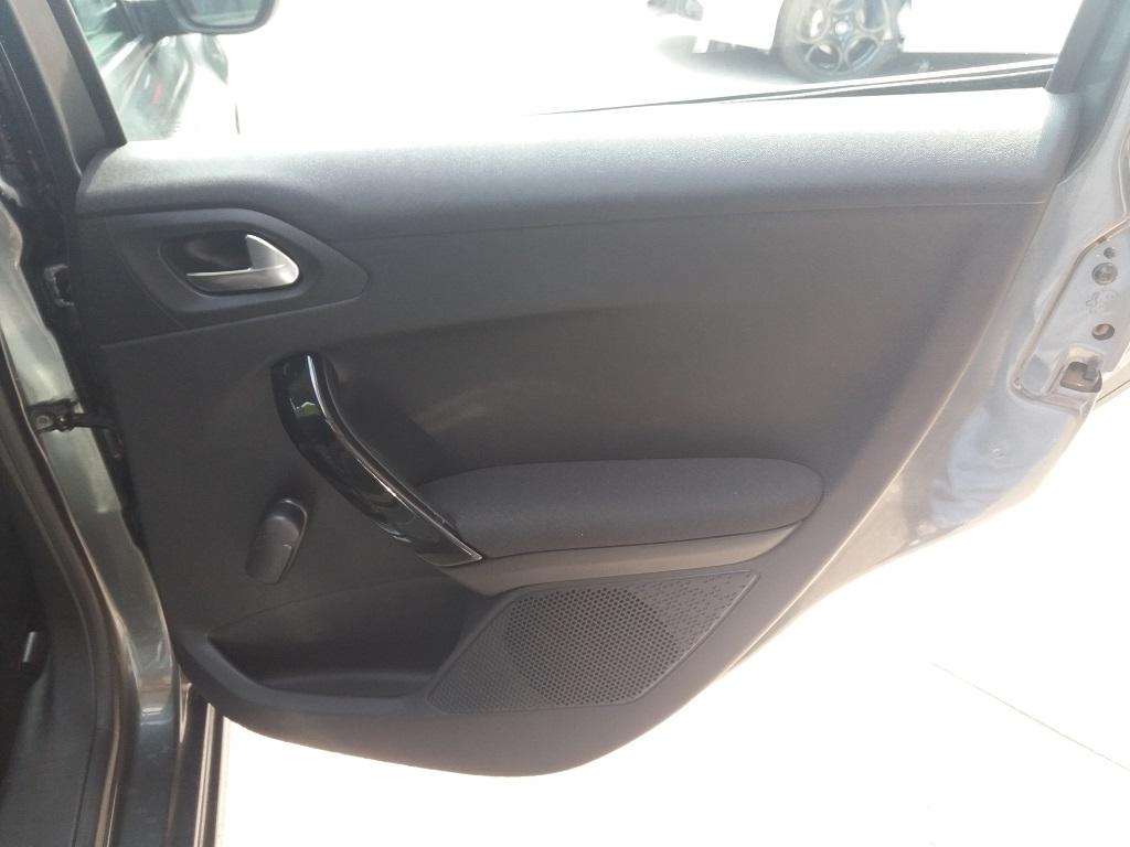 Peugeot 208 PureTech 82 5p Active (31)