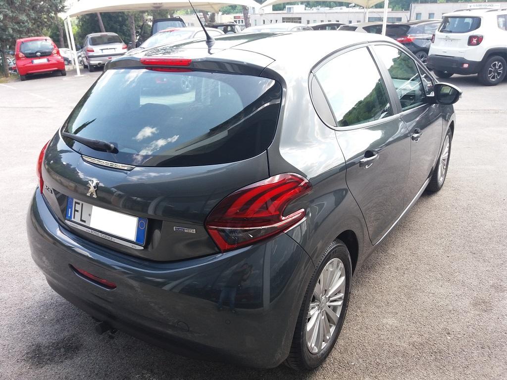 Peugeot 208 PureTech 82 5p Active (5)