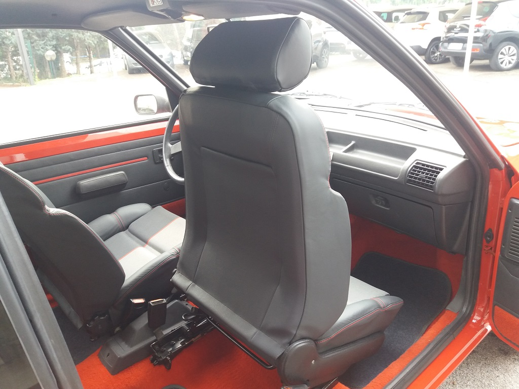 Peugeot 205 1.9 GTI 130 cv (14)