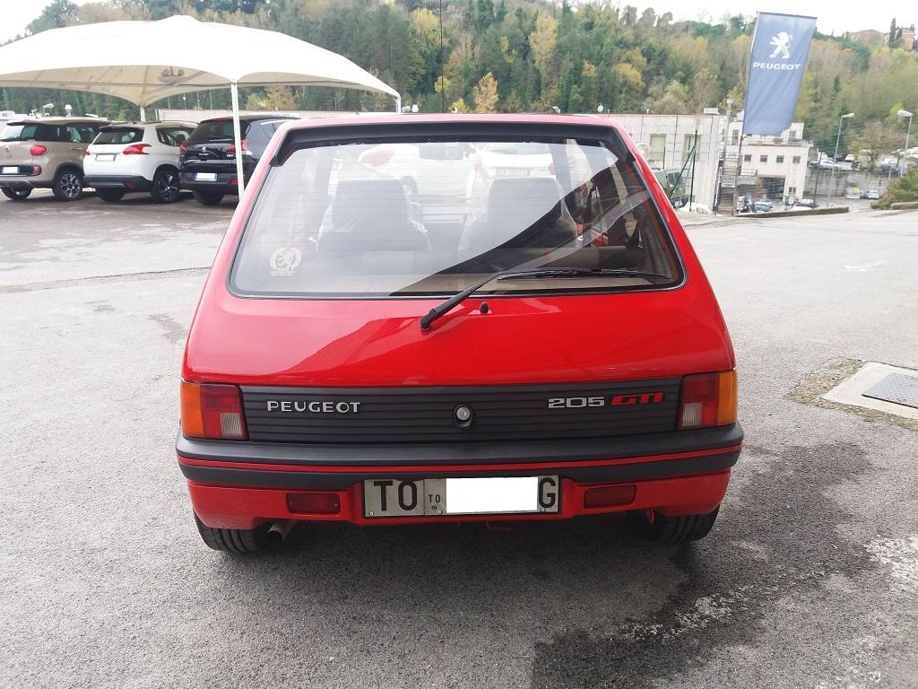 Peugeot 205 1.9 GTI 130 cv (4)