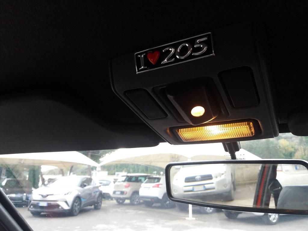 Peugeot 205 1.9 GTI 130 cv (42)