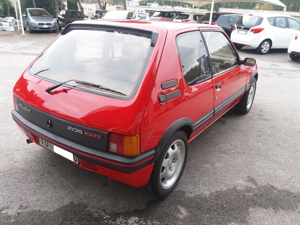Peugeot 205 1.9 GTI 130 cv (5)