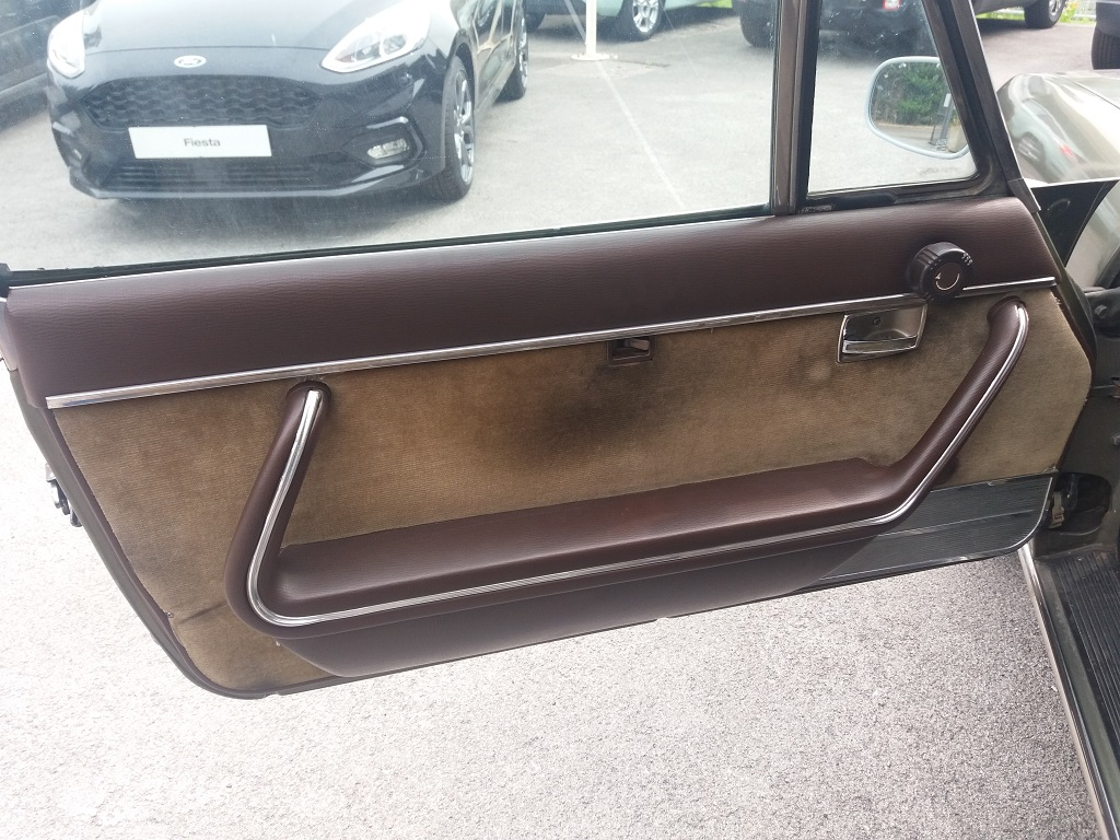 Peugeot 504 Coupé 2.0 (12)