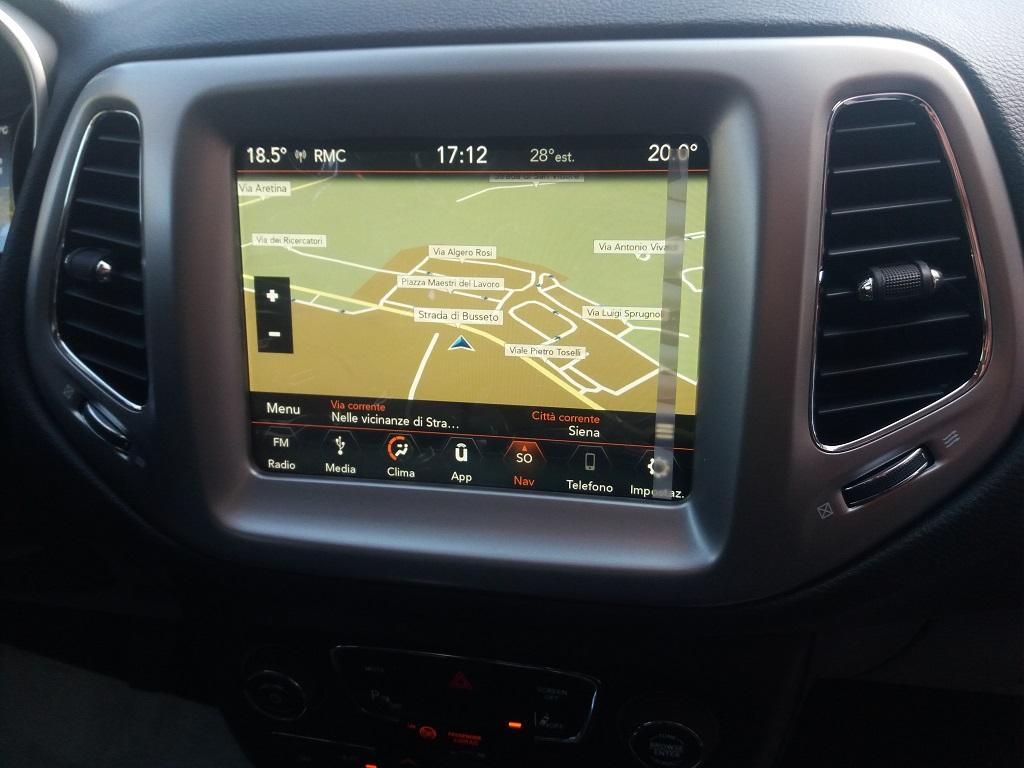 Jeep Compass 1.6 MJET 120 cv Business 2WD (21)