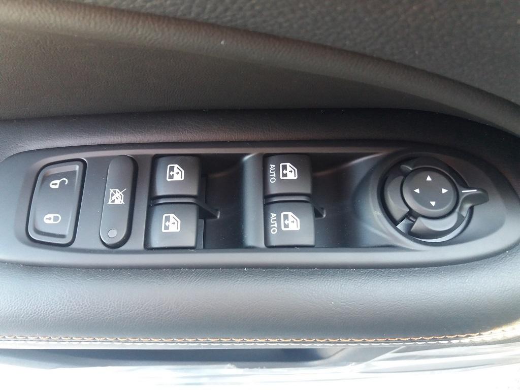 Jeep Compass 1.6 MJET 120 cv Business 2WD (25)