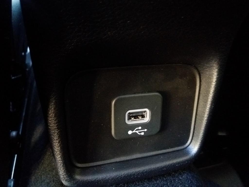 Jeep Compass 1.6 MJET 120 cv Business 2WD (28)