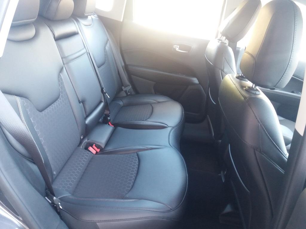 Jeep Compass 1.6 MJET 120 cv Business 2WD (34)
