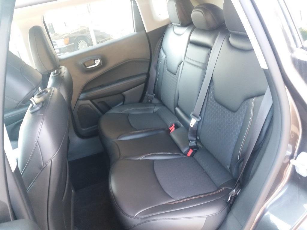 Jeep Compass 1.6 MJET 120 cv Business 2WD (35)