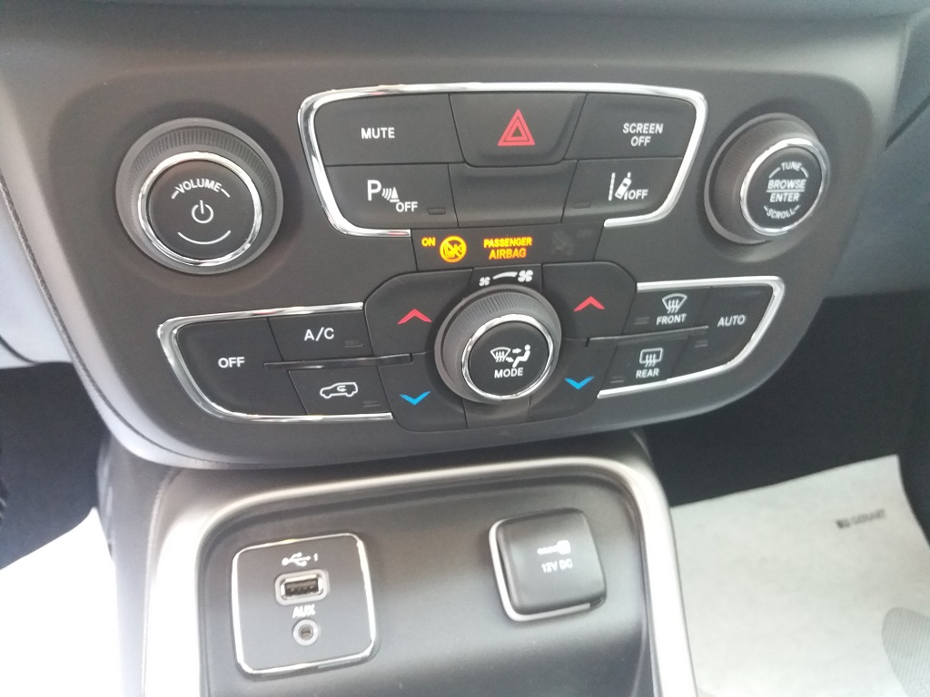 Jeep Compass 1.6 MJET 120 cv Business 2WD (44)
