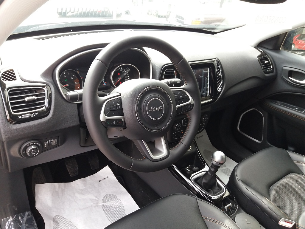 Jeep Compass 1.6 MJET 120 cv Limited 2WD (8)