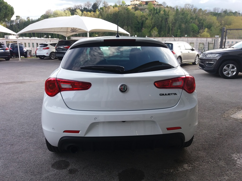 Alfa Romeo Giulietta 1.6 JTDm 120 cv B-TECH (4)