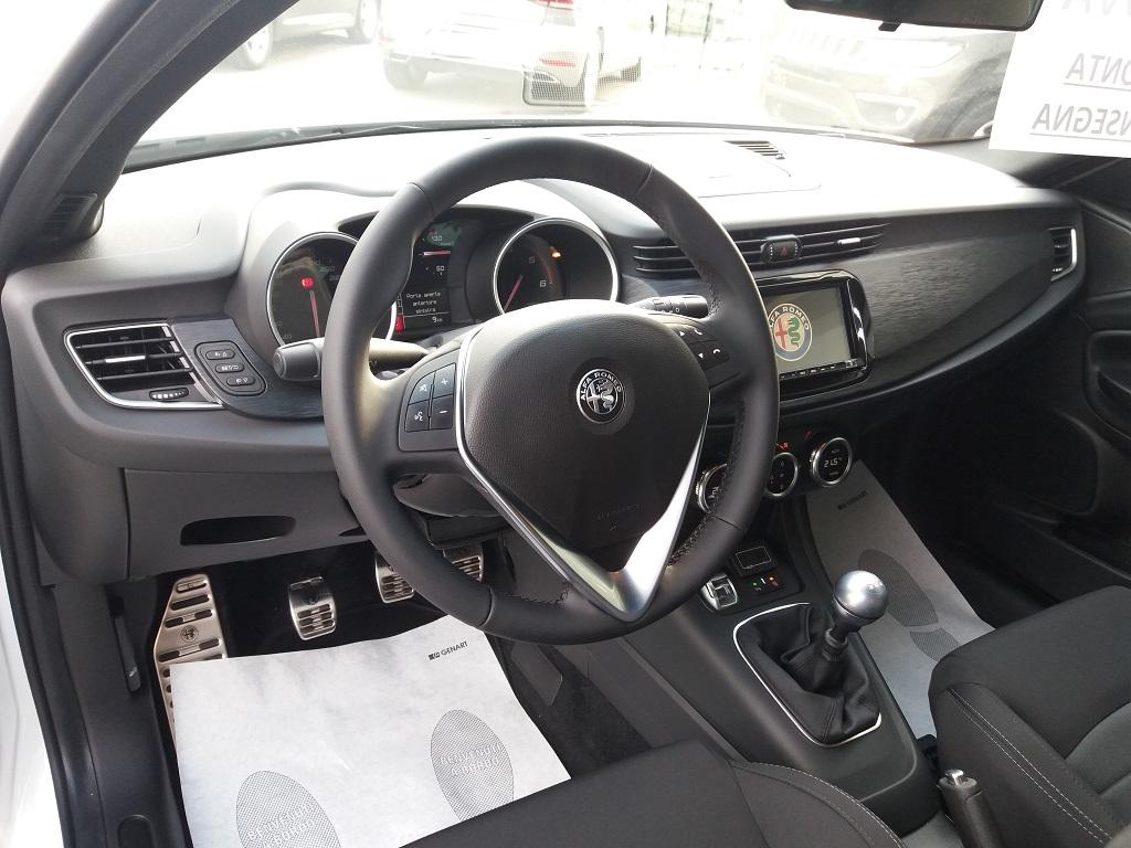 Alfa Romeo Giulietta 1.6 JTDm 120 cv B-TECH (9)