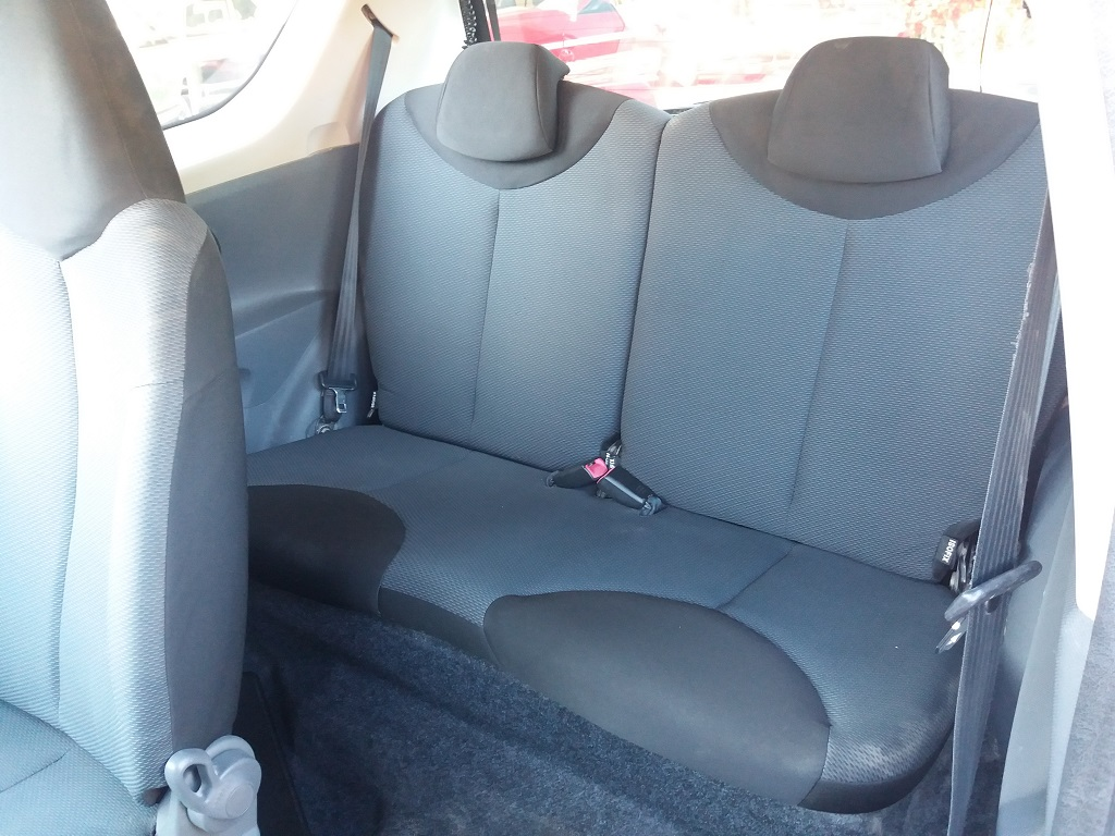 Toyota Aygo 1.4 D-4D 3p Sol (12)
