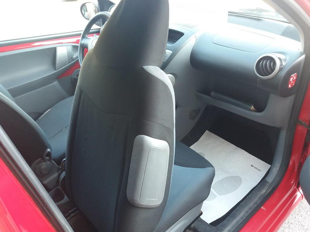 Toyota Aygo 1.4 D-4D 3p Sol (28)
