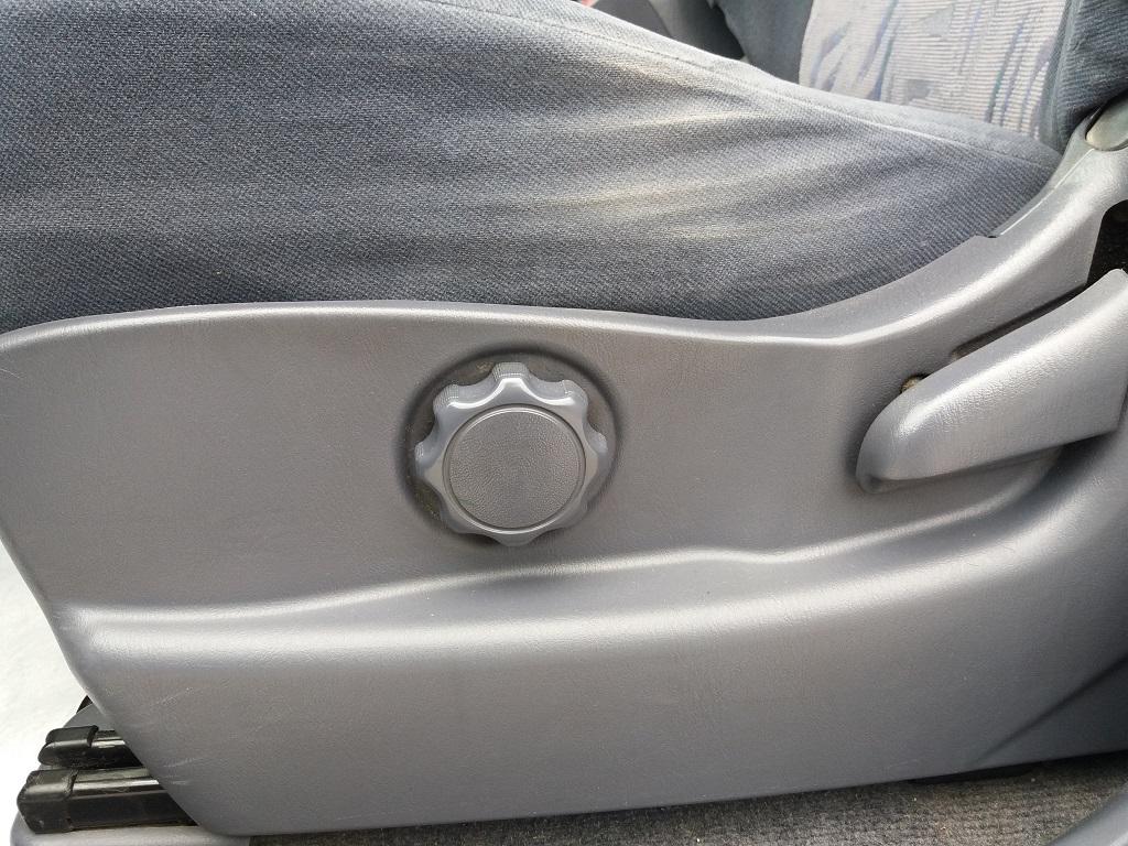 Toyota Land Cruiser KZJ95 3.0 Turbodiesel 5p GX (41)