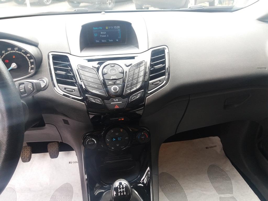 Ford Fiesta 1.5 TDCi 95 cv 3p Titanium (10)