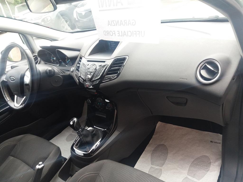 Ford Fiesta 1.5 TDCi 95 cv 3p Titanium (13)