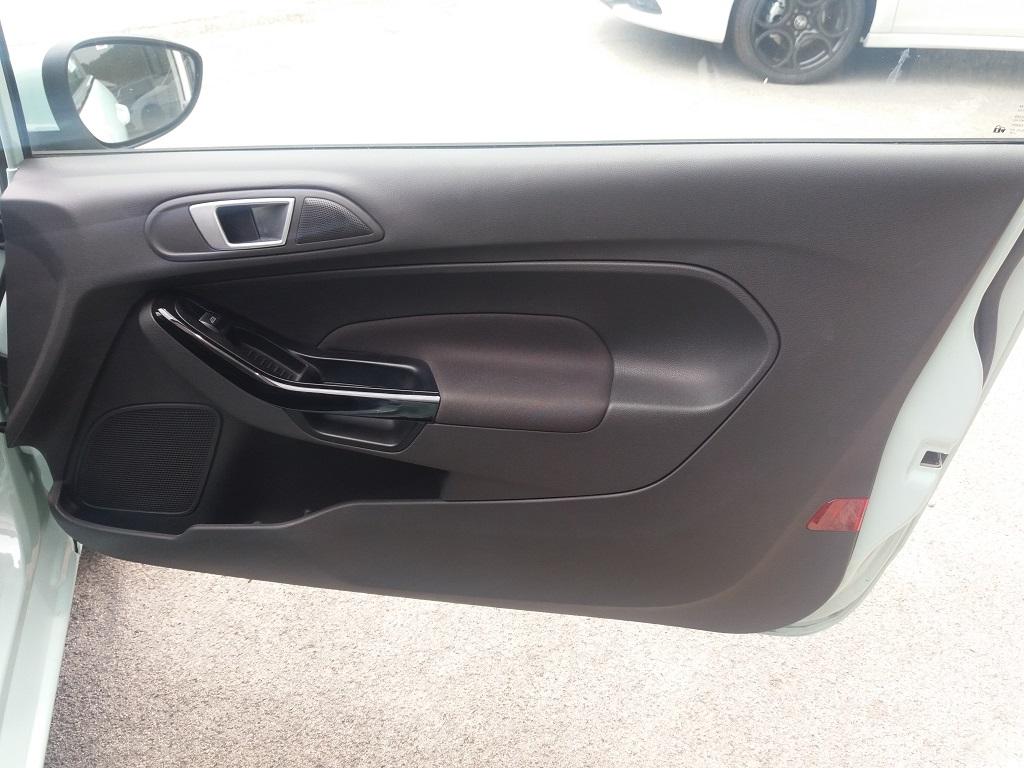 Ford Fiesta 1.5 TDCi 95 cv 3p Titanium (15)