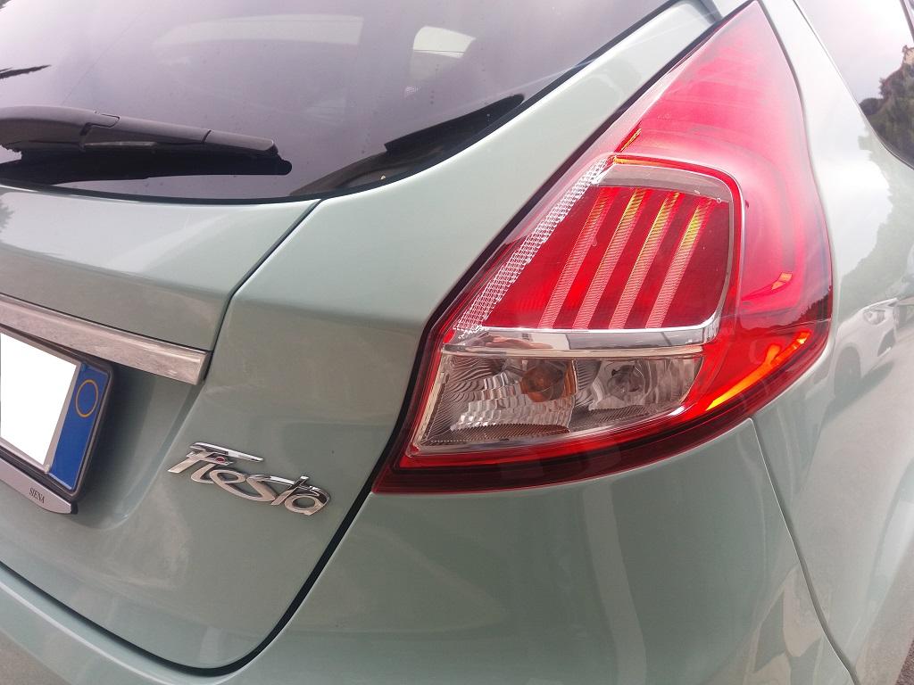 Ford Fiesta 1.5 TDCi 95 cv 3p Titanium (39)