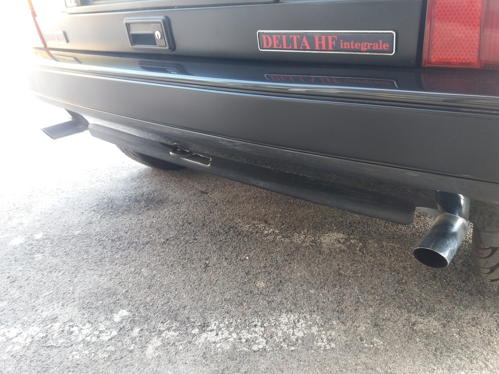 Lancia Delta HF Integrale 8v (37)