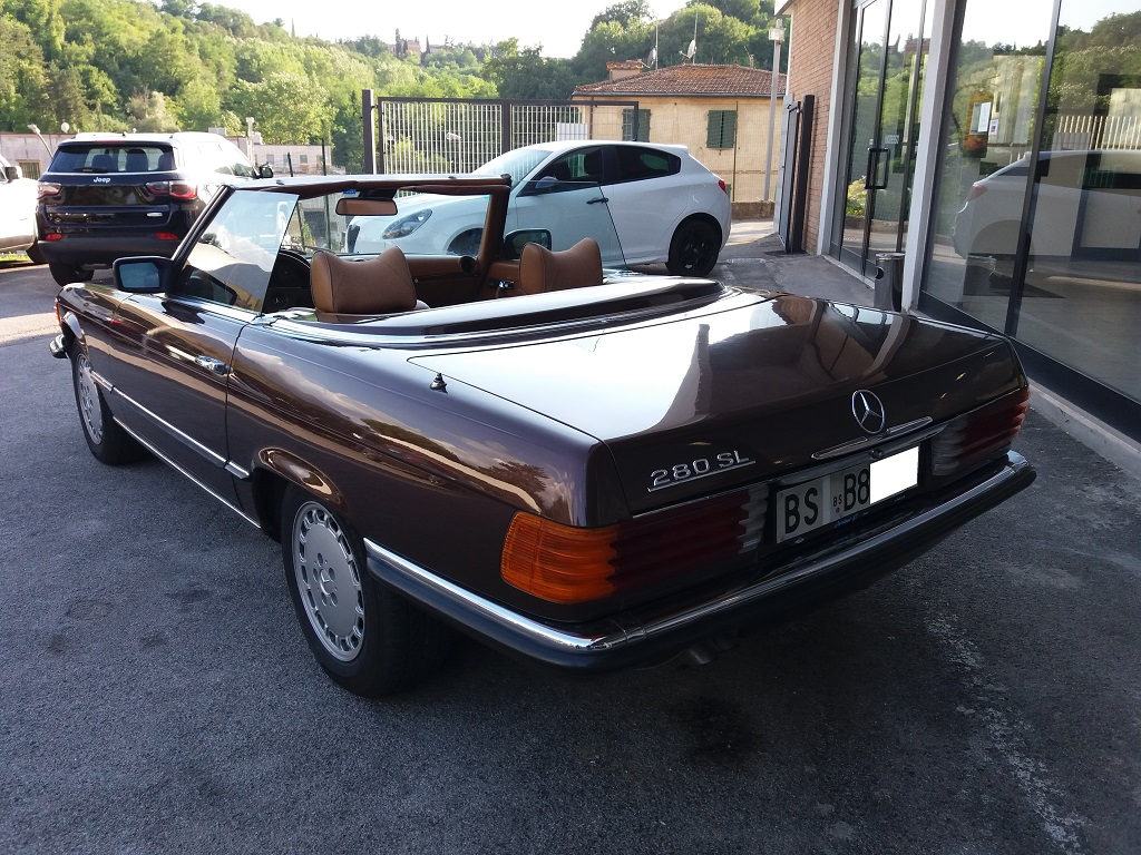 Mercedes-Benz 280 SL (R107) (3)