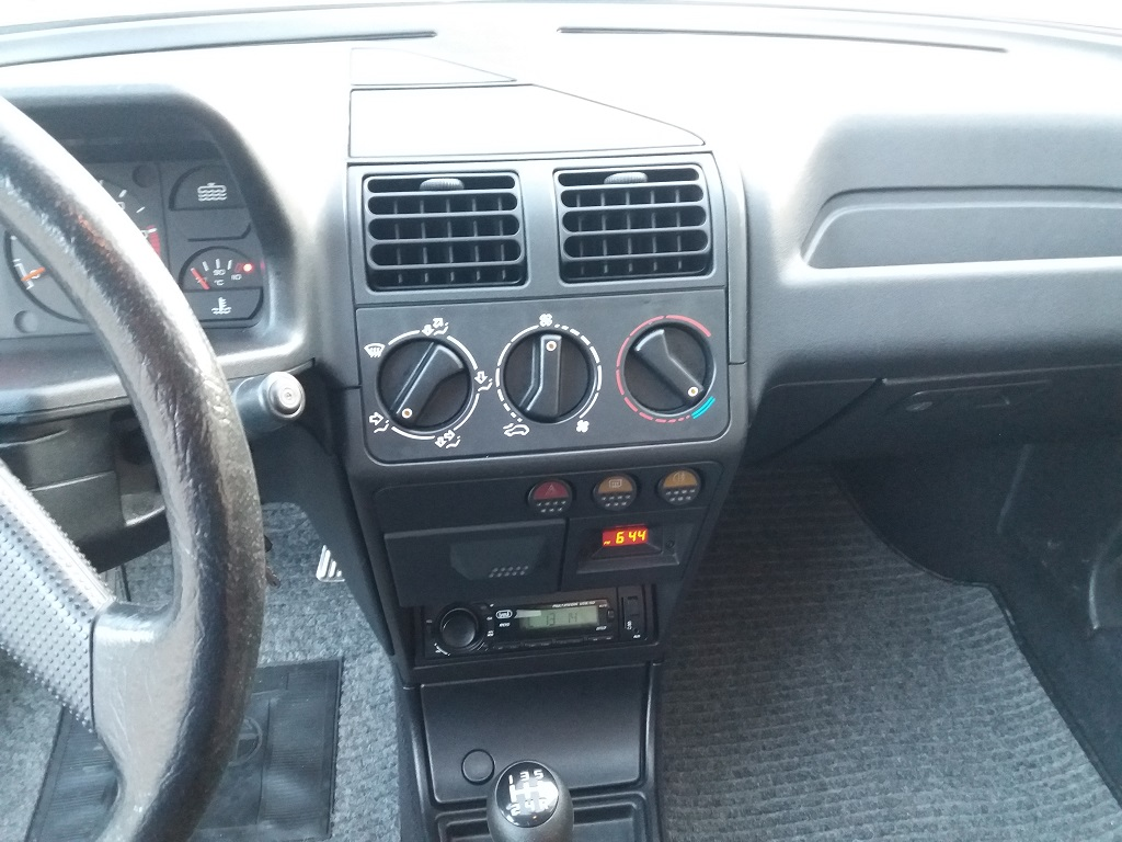 Peugeot 205 D Turbo 3p (10)