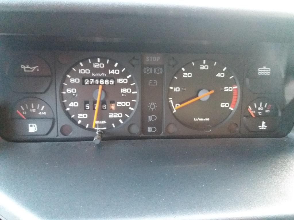 Peugeot 205 D Turbo 3p (30)