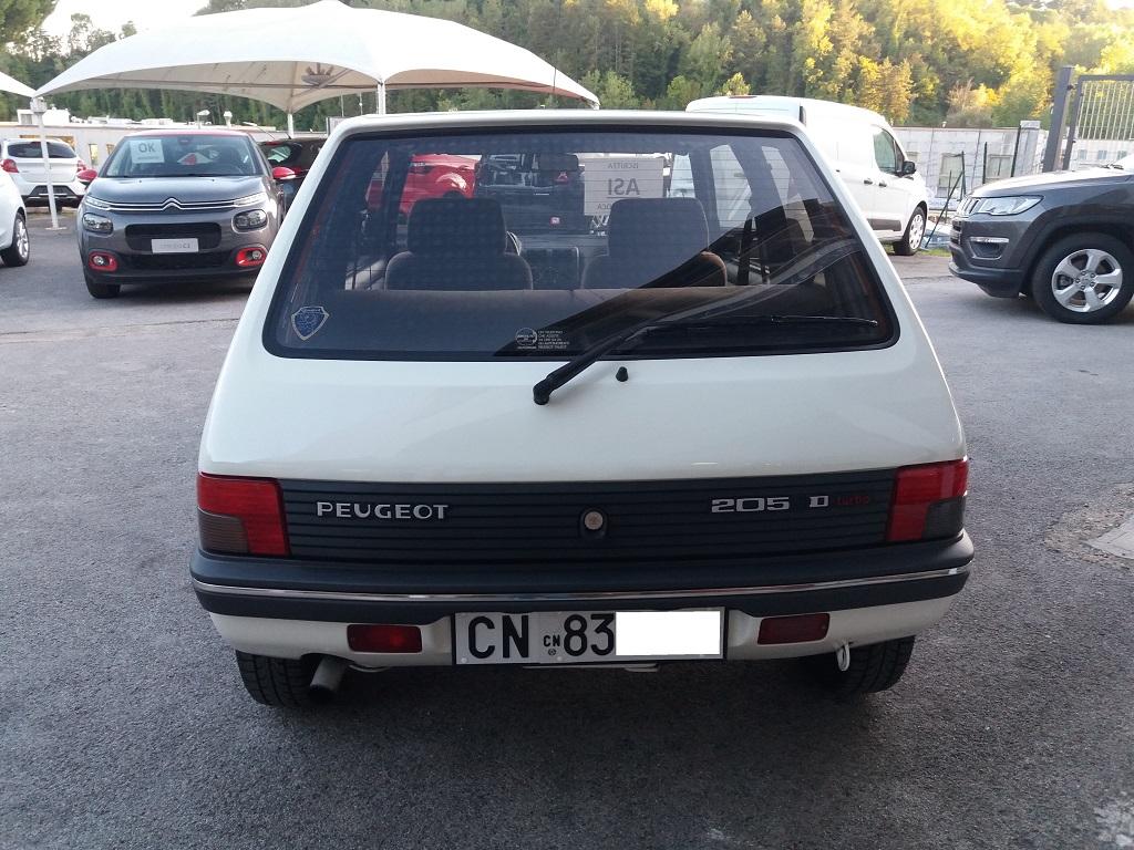 Peugeot 205 D Turbo 3p (4)