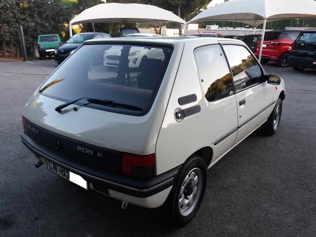 Peugeot 205 D Turbo 3p (5)