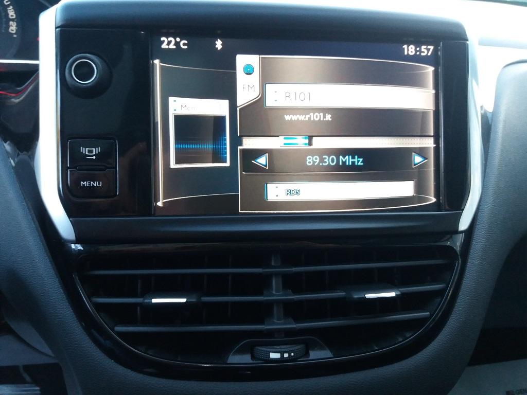 Peugeot 208 1.4 e-HDi 68 cv S&S robotizzato 5p Active (11)