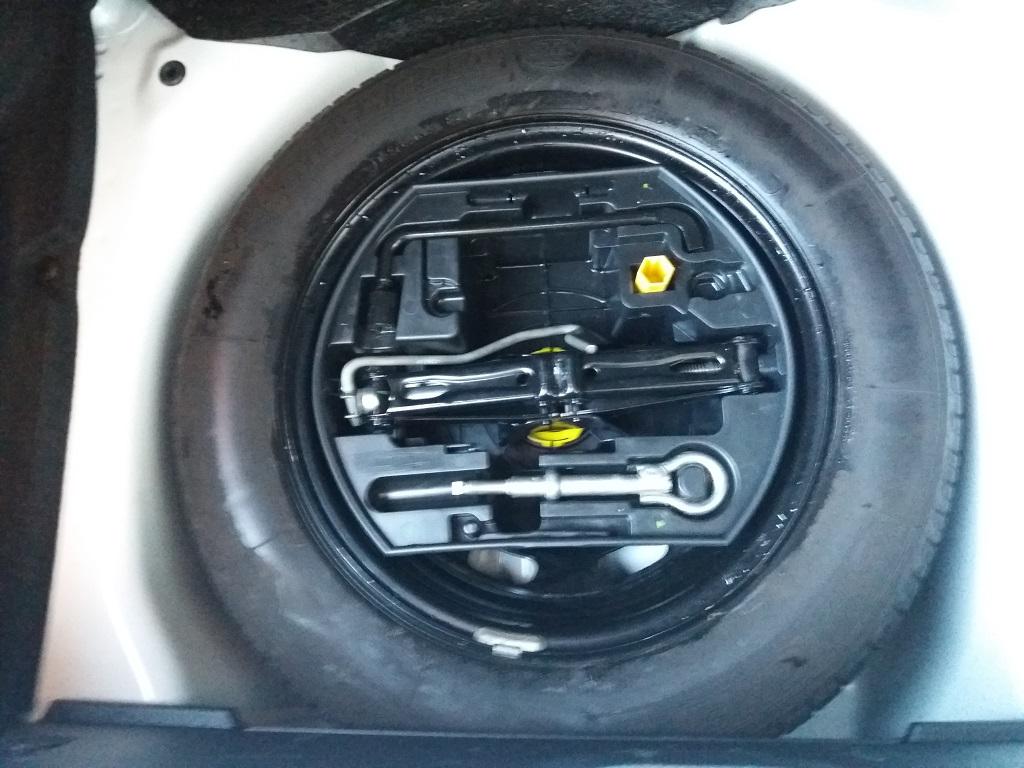 Peugeot 208 1.4 e-HDi 68 cv S&S robotizzato 5p Active (18)
