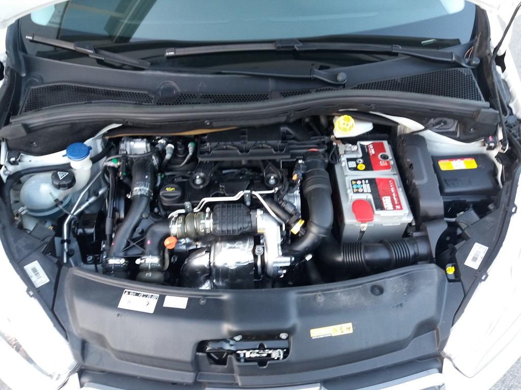 Peugeot 208 1.4 e-HDi 68 cv S&S robotizzato 5p Active (38)