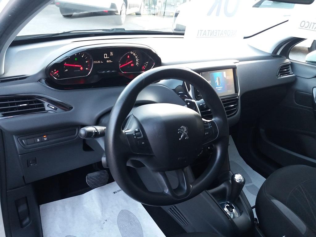 Peugeot 208 1.4 e-HDi 68 cv S&S robotizzato 5p Active (9)