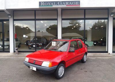 Peugeot 205 1.1 3p XR (1)