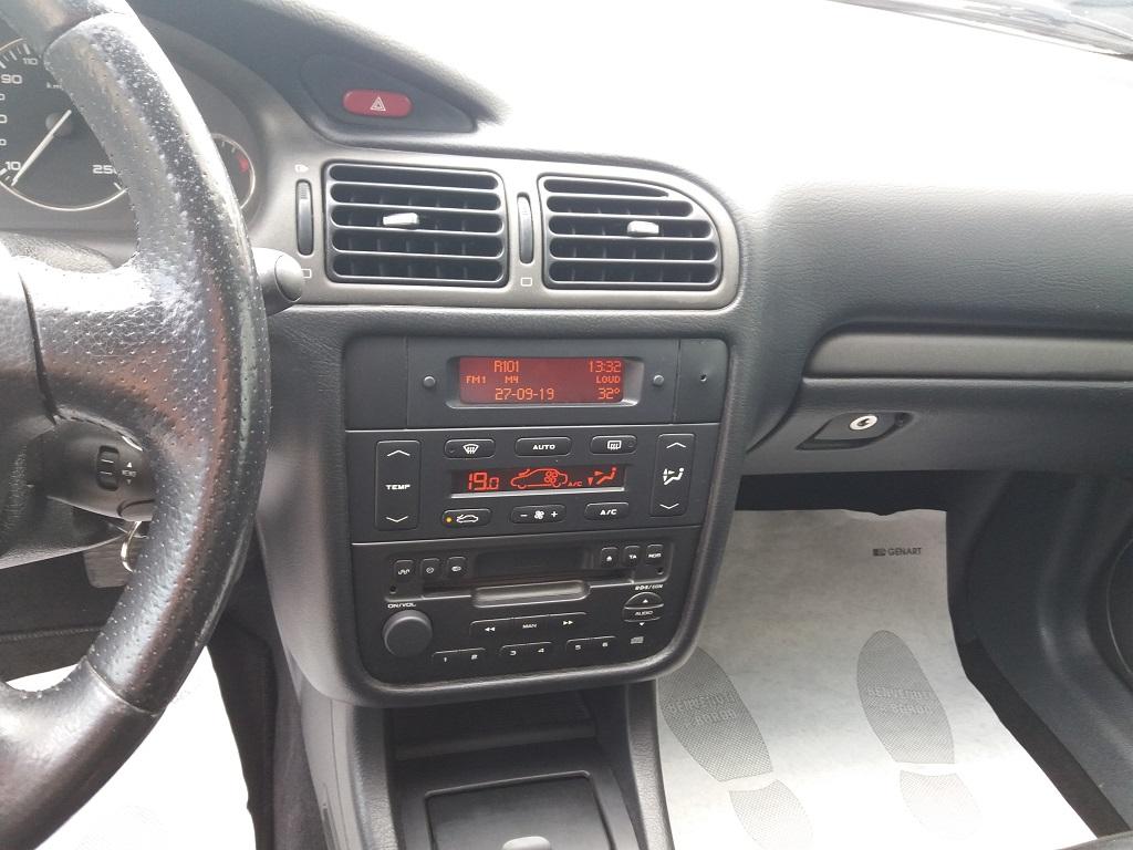 Peugeot 406 Coupé 2.2 16v HDi FAP (10)