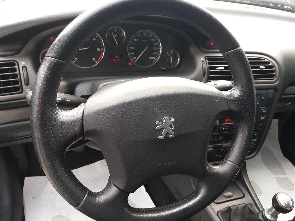 Peugeot 406 Coupé 2.2 16v HDi FAP (15)