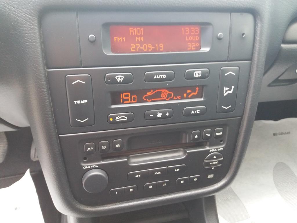 Peugeot 406 Coupé 2.2 16v HDi FAP (20)